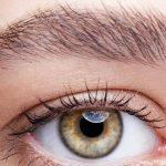 Buschige Augenbrauen – Selbstbewusst dem Trend folgen